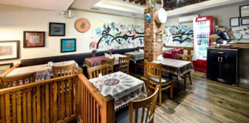 ریحون رستوران کاملا ایرانی در استانبول