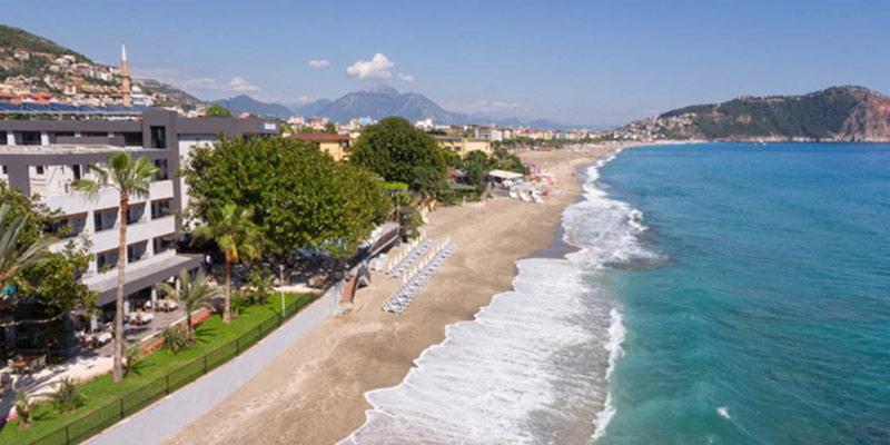 لارا یکی از بهترین ساحل های آنتالیا