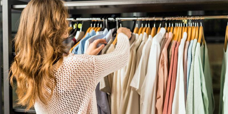 پوشاک زنان و مردانه در مرکز خرید آردوما
