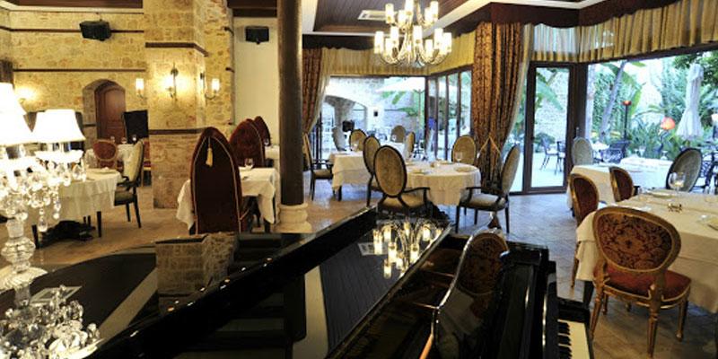 رستوران لوکس و قدیمی آنتالیا