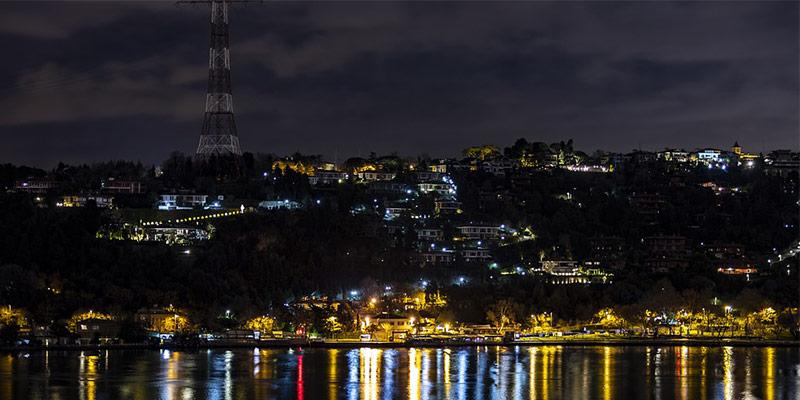 آرنوواتکی٬ جای دیدنی و تماشایی استانبول در شب