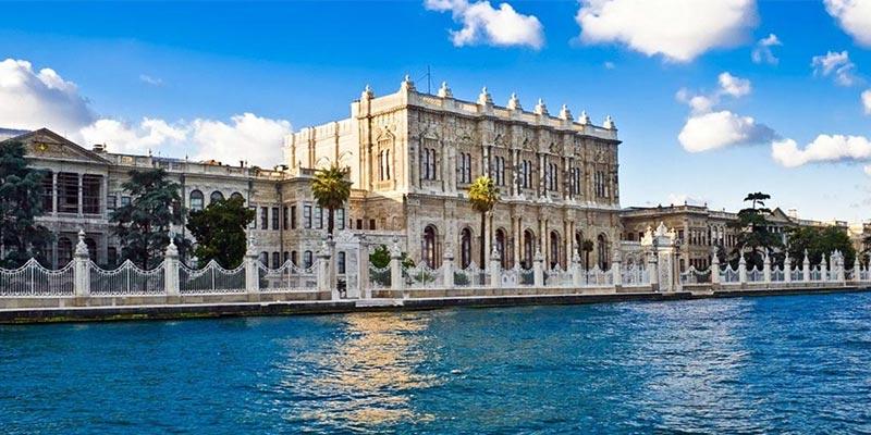 فضای درونی باغ دلما در استانبول