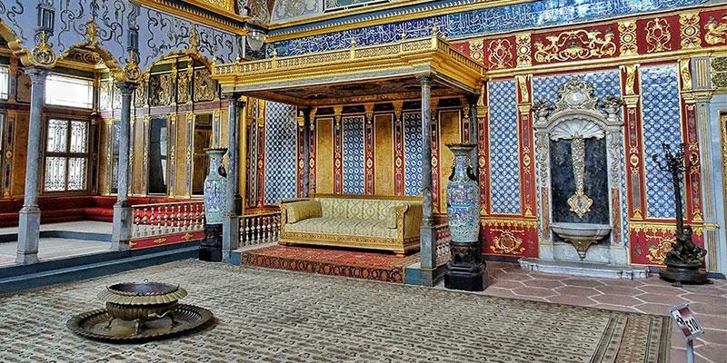 کاخ معماری داخلی توپکاپی یا توپ قاپی استانبول