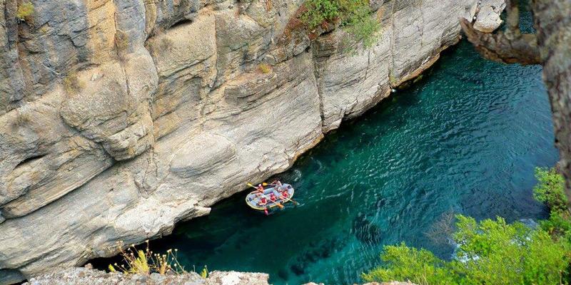 قایق سواری در بلندترین دره ترکیه پارک ملی آنتالیا