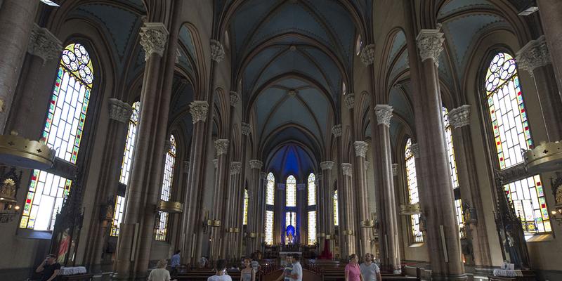 کلیسای خیابان استقلال استانبول