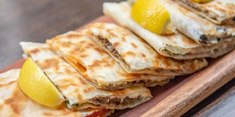 گزلمه، غذایی پرفروش در بوفهها و خیابانهای استانبول
