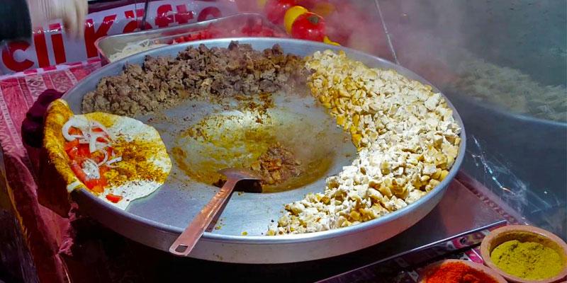 تانتونی، یکی از خوشمزهترین غذاها در بوفههای خیابانی استانبول