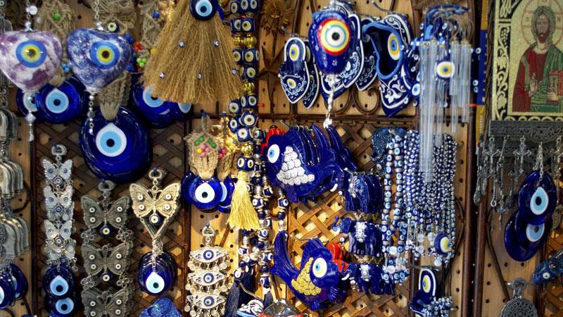 چشم نظر یکی از سوغاتی های عجیب شهر استانبول